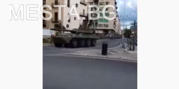 военно положение,танкове,войници