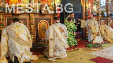 Черква,църква,свещенници,попове,празник,литургия